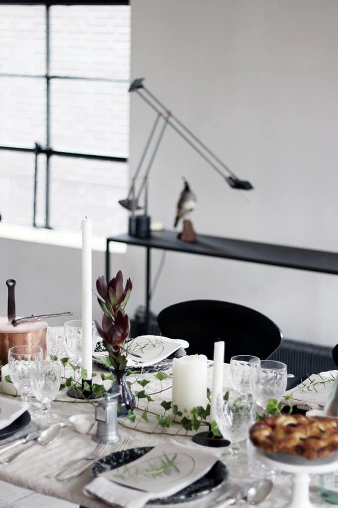 ホームパーティーのテーブルセッティング